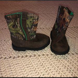 Mossy Oak boots